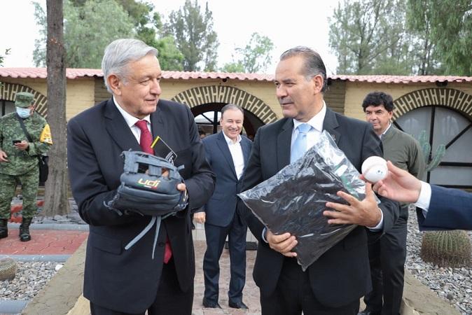 Reitera gobernador de Aguascalientes proyecto hídrico al presidente de la República