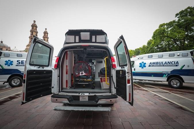 Adquiere gobierno estatal tres ambulancias para traslados de pacientes de Covid-19
