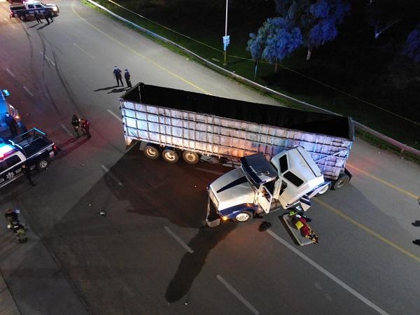 Tras persecución rescatan en Aguascalientes a trailero privado de la libertad en Zacatecas