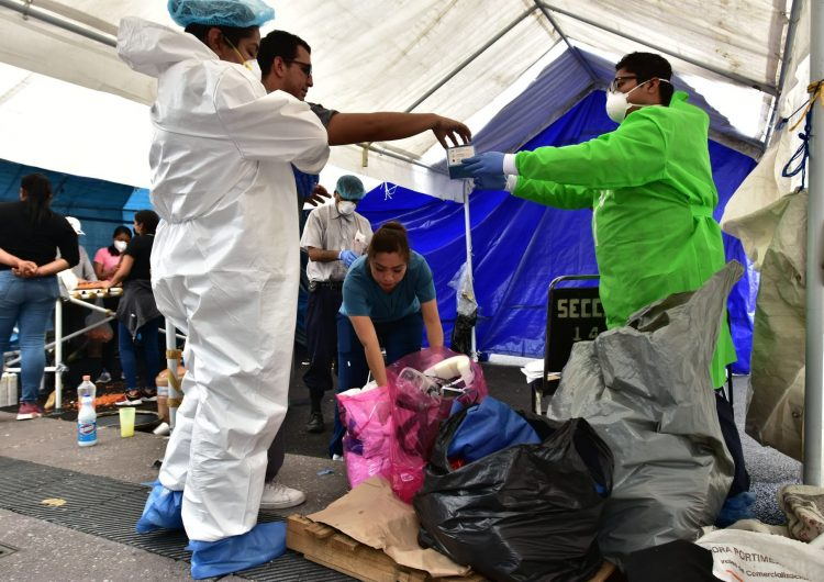 Salud reporta 737 fallecimientos por COVID, suman 54,666