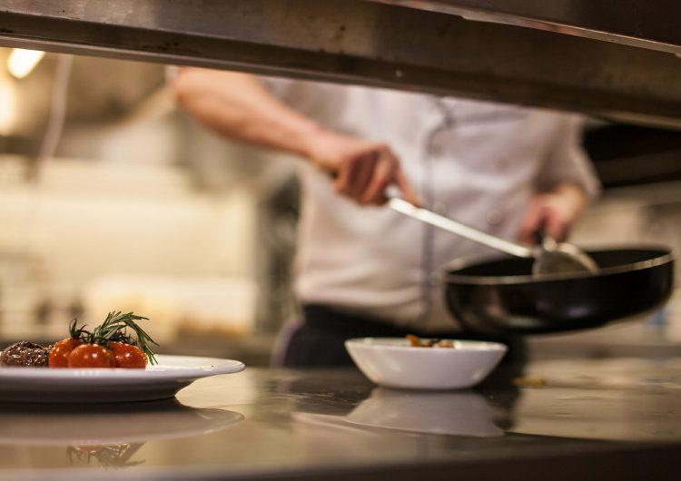 Piden restauranteros a Vila pacto para reactivación
