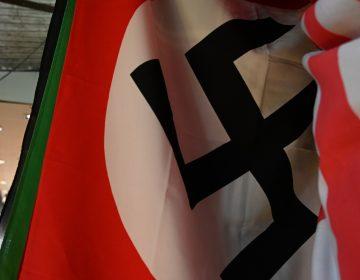 La muerte de un hombre detenido y el saludo nazi de una policía conmocionan a Bélgica