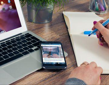 COVID hace a empleados trabajar 48 minutos más diario alrededor del mundo
