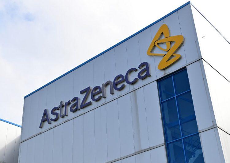 AstraZeneca reanuda ensayos de vacuna contra COVID-19