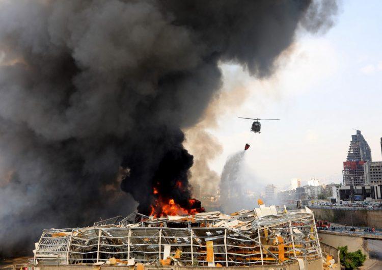 En fotos: zona devastada por explosión en Beirut ahora sufre un incendio