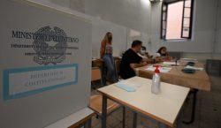 Italia reducirá el número de parlamentarios en el país después…