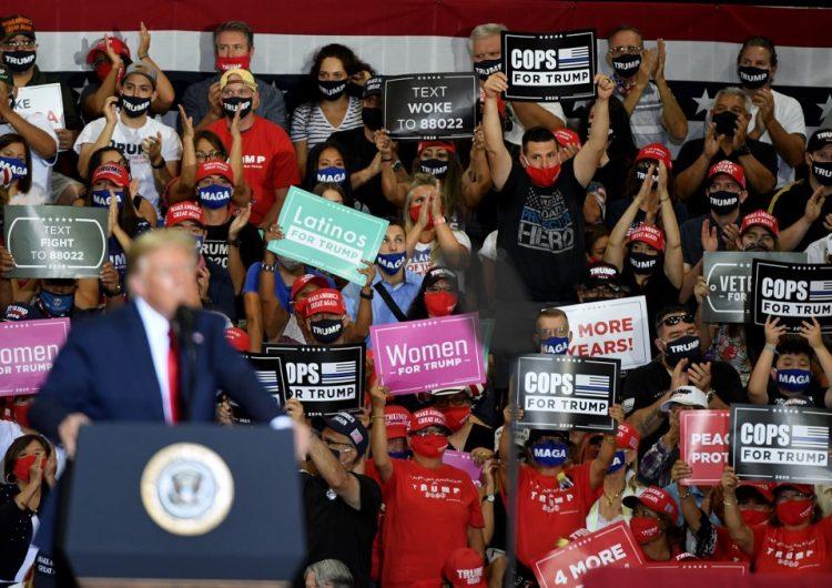 Trump realiza un mitin en un lugar cerrado de Nevada sin distanciamiento social