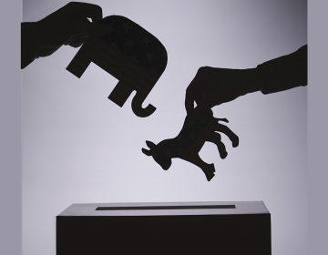 Hay 10 % de votantes indecisos en EU; tienen el poder de decidir quién gana la elección