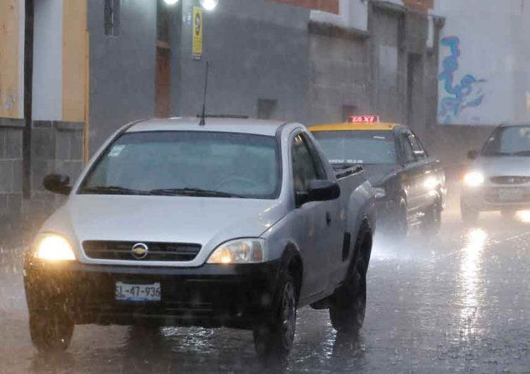Hoy lluvias intensas en Puebla por el frente frío No. 4
