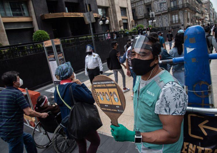 México rebasa los 70,000 muertos por COVID-19; ningún estado se reporta en riesgo máximo