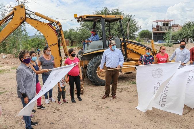 Llevan agua potable a habitantes del Fracc. Antorcha Benito Juárez en Calvillo