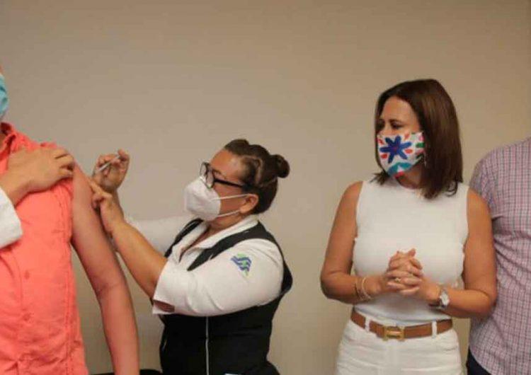Llegan vacunas a Puebla contra la influenza, personal de salud serán los primeros en recibirla
