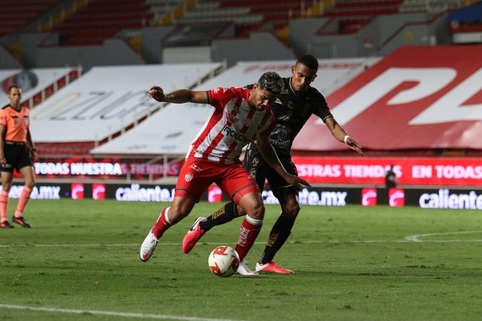 A medio gas, León derrota a Necaxa y provoca cese de su técnico