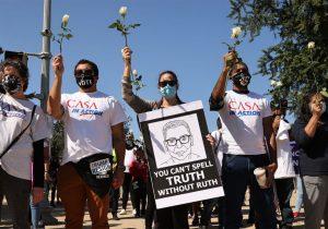 El Proyecto Lincoln pide a los votantes hispanos pensar en sus seres queridos muertos de COVID-19