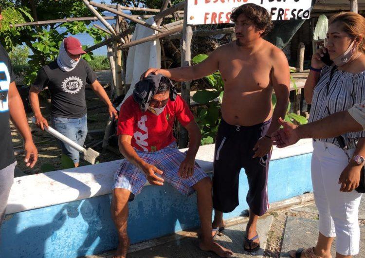 Pelean pescadores por muelle en Campeche