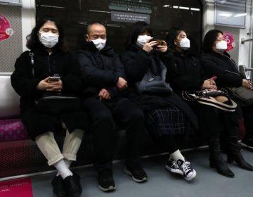 Estalla pelea en el metro de Seúl porque un hombre no llevaba cubrebocas