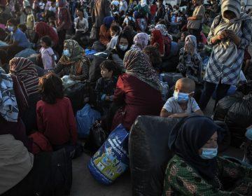 Las ONG denuncian que la situación de los migrantes no ha mejorado tras el incendio del campo de Moria en Grecia
