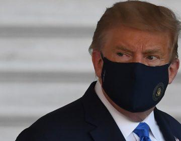 """La Casa Blanca dice que Trump está """"muy bien""""; hay más allegados contagiados de COVID-19"""