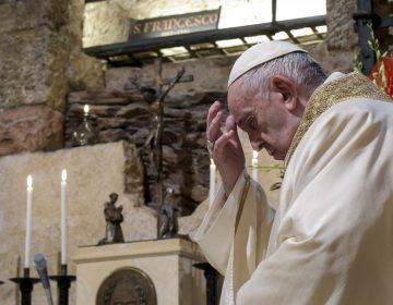 """La fraternidad, el """"dogma neoliberal"""" y otros puntos clave de la encíclica del papa Francisco"""