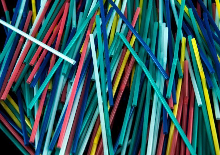 Canadá prohibirá algunos plásticos de un solo uso para finales de 2021