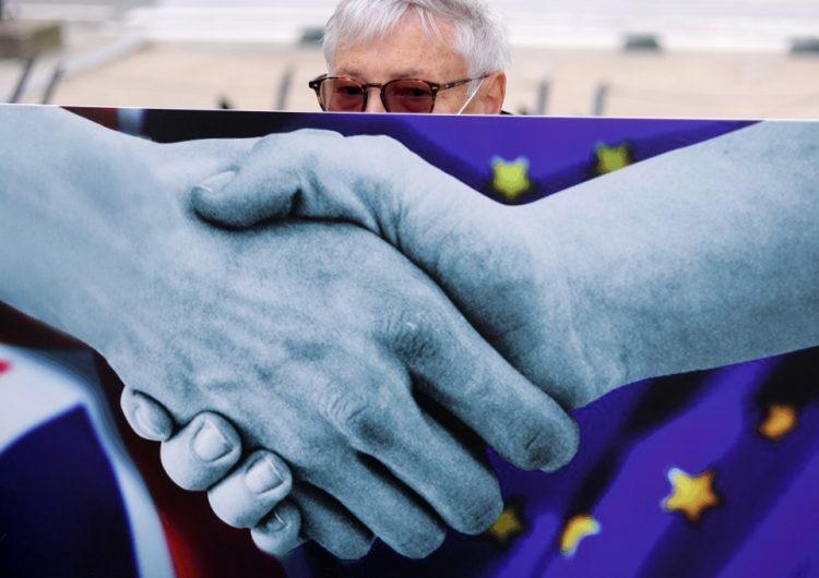 """Gobierno británico da por """"terminadas"""" las negociaciones comerciales del Brexit y culpa a la UE"""