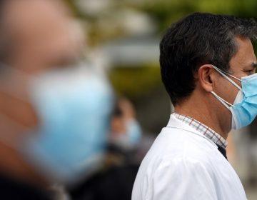 Médicos de toda España inician huelga indefinida en medio de la pandemia