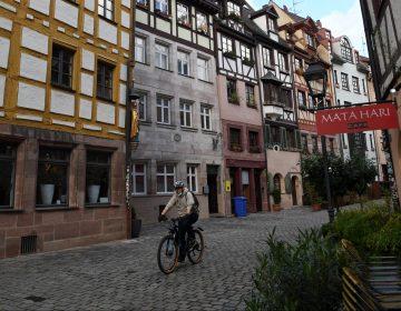 Alemania cierra restaurantes y actividades de ocio para frenar contagios de COVID