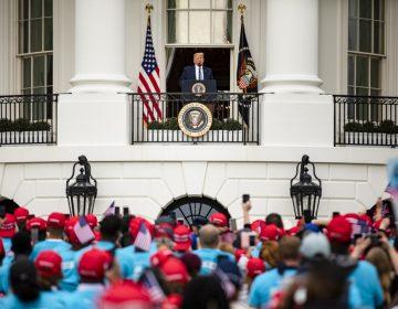 Trump reaparece en público en un acto de campaña diez días después del positivo por coronavirus