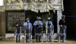 Se decreta toque de queda en Filadelfia tras disturbios por…