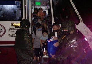 Evacúan a familias por inundaciones