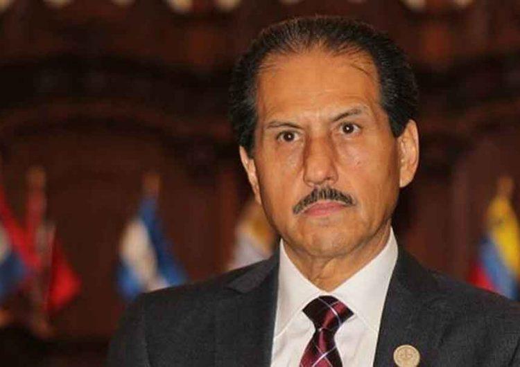 BUAP, cierra filas a favor del rector Alfonso Esparza