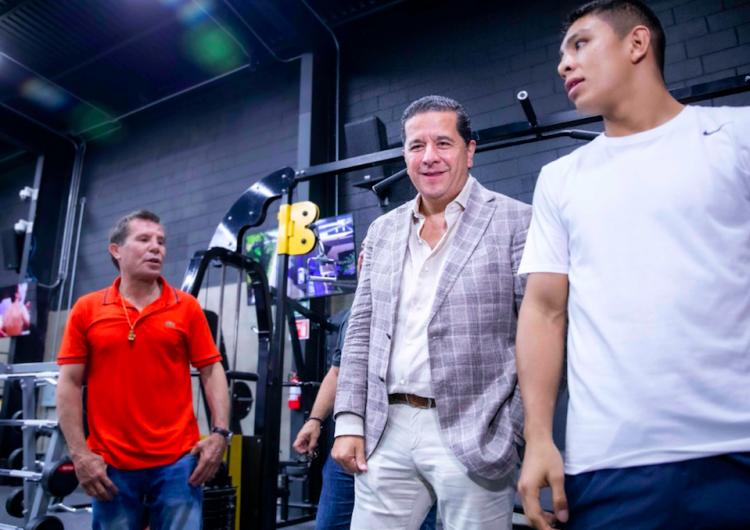 Empresario consentido de 'Kiko' Vega operó en Sumex y sigue de proveedor estatal