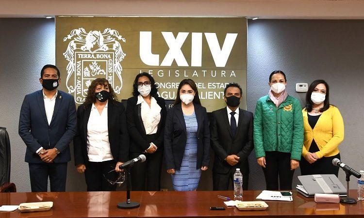 Debaten especialistas legales sobre iniciativa de uniones civiles de convivencia en Aguascalientes