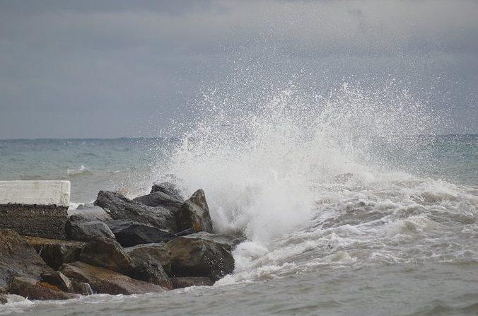 Mueren al menos 140 personas por el hundimiento de una embarcación en Senegal; se dirigían a Europa
