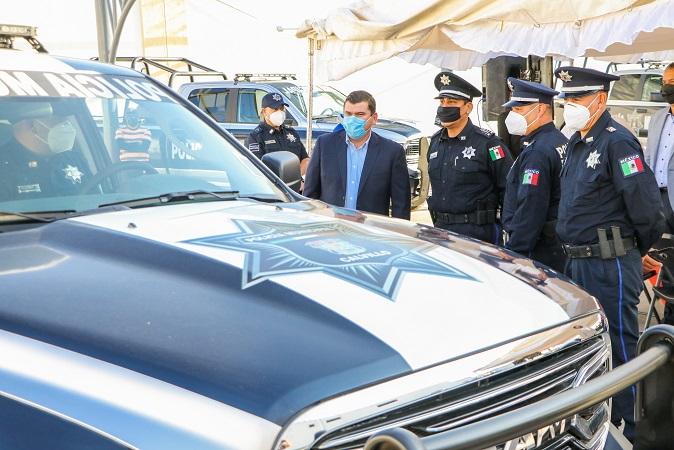 Entregan dos nuevas patrullas a la Policía Municipal de Calvillo