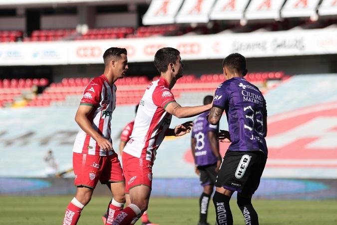 Necaxa derrota a domicilio al Querétaro