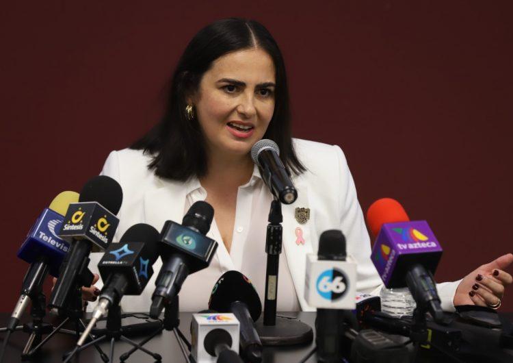 """Ayón se queda por ahora en Seguridad, """"no quiero tomar decisiones arrebatadas"""", dice alcaldesa de Tijuana"""