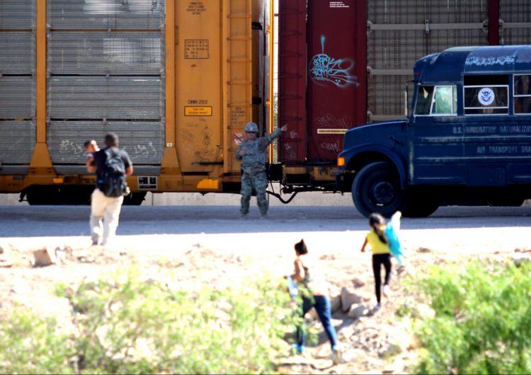 """Informe del Congreso de EU denunció como """"crueldad"""" la política de separar familias migrantes de Trump"""