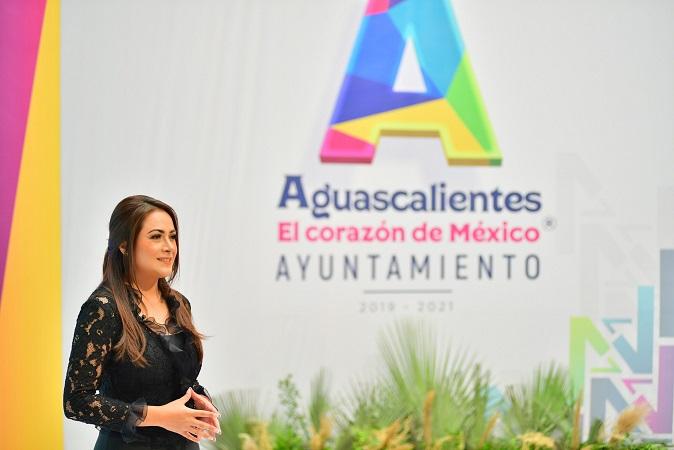 Rinde Tere Jiménez su primer informe de gobierno