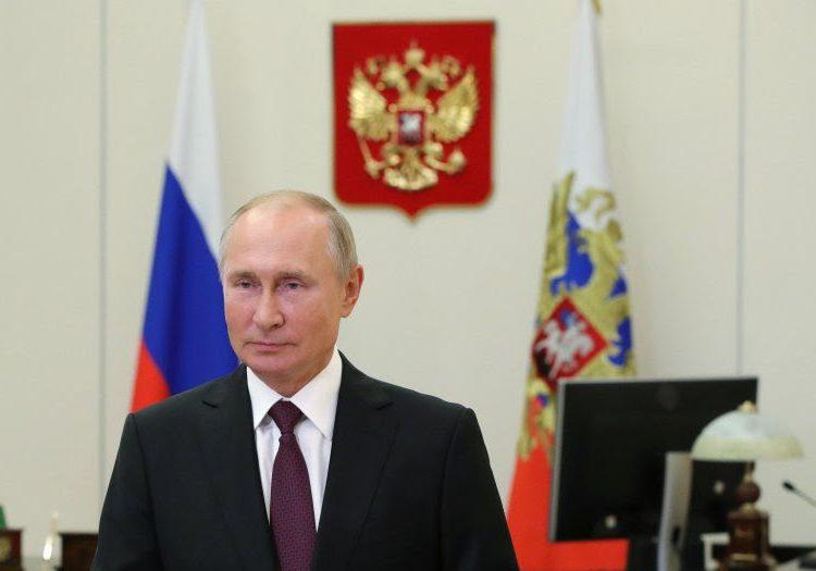 """Putin dice que quiere trabajar con Biden, afirma que hay """"valores en común"""" entre demócratas y comunismo"""