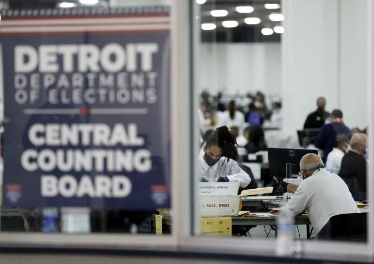 Trump presenta nueva demanda en Michigan para evitar la certificación de resultados a favor de Biden