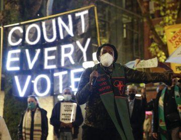 Conteo de votos se acerca a la última fase con una ligera ventaja para Biden