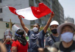 Perú celebra la salida de Merino, pero queda temporalmente sin presidente ni jefe del Congreso