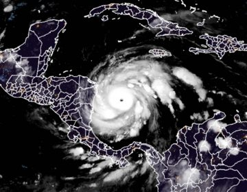 Huracán Iota se fortalece a categoría 5 y amenaza a miles en Centroamérica