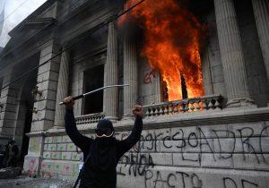 Guatemala: Protestan por presupuesto 2021, el más alto en la historia, pero sin aumentos a salud o educación