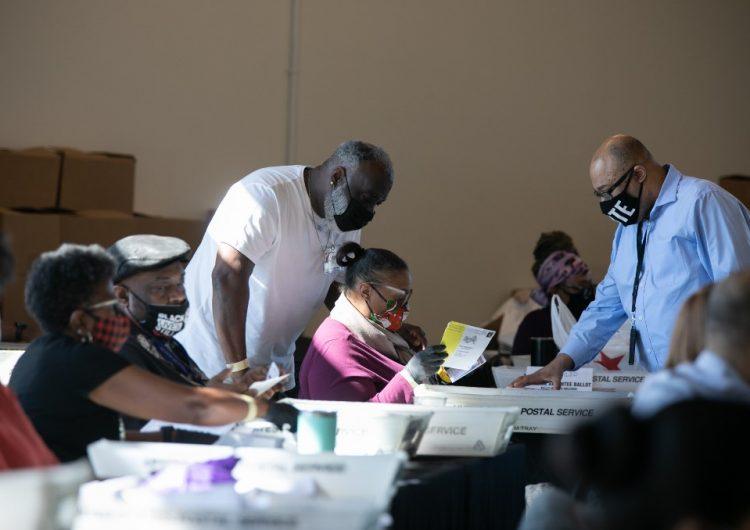 Georgia anuncia un recuento de votos donde Biden va ligeramente adelante