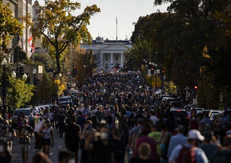 """""""Trump, estás despedido"""", así festejan en EU el triunfo de Biden (fotos)"""