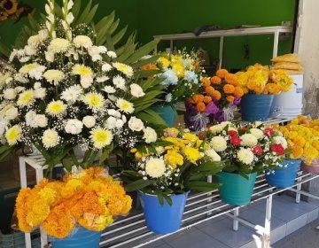 No hemos vendido ni la décima parte del Día de Muertos pasado: floristas