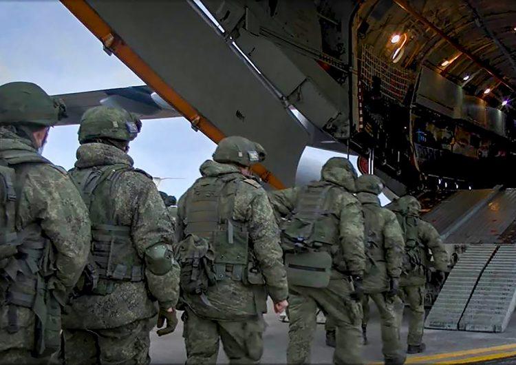 Rusia vacuna a 2,500 militares contra el COVID-19; pretende llegar a 400,000