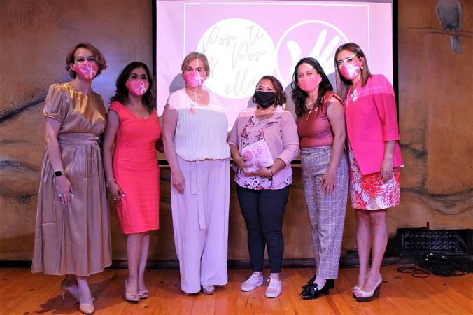 Entrega DIF Municipal prótesis mamarias a mujeres de Jesús María